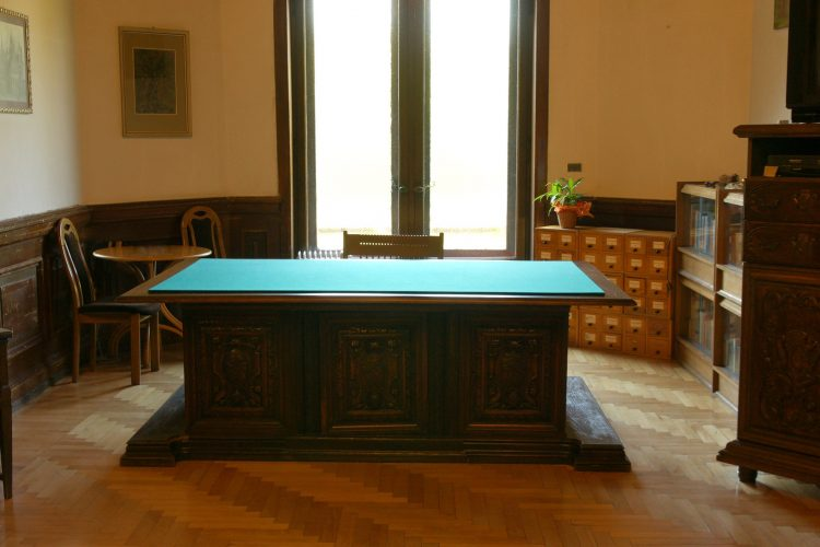 Why Go For Antique Walnut Furniture